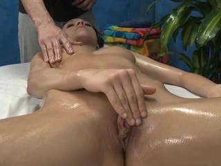 Sexy sexy sweetheart copulates and sucks her massage therapist