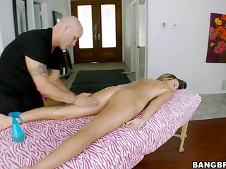 Alexis Addams is very sore. Her body appears to be to have been really tense afresh lately from all of her working out and work related stress, so thank God that this babe made an appointment to get a good rub down from our guy Derrick. After getting the sweet parts this chab begins getting into the second part of the massage which Alexis has no objections to. In Advance Of u know it Derrick is getting his knob massaged inside her mouth. Then massages her cunt. Have A Fun watching!