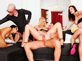 Hawt Party That Finished In An Swinger's Fuckfest! Not To Miss!